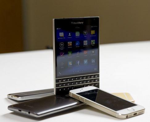 Updated: BlackBerry Passport Wins 1 of 2 Reader's Choice Awards!